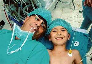Prof.Dr.Erbuğ Keskin Ameliyatta...