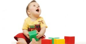 bebek-oyuncak-iliskisi