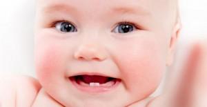 bebeklerde-dis-cikarma-belirtileri